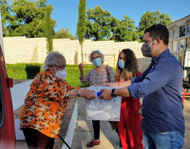 Valeriana recibiendo los restos de su padre